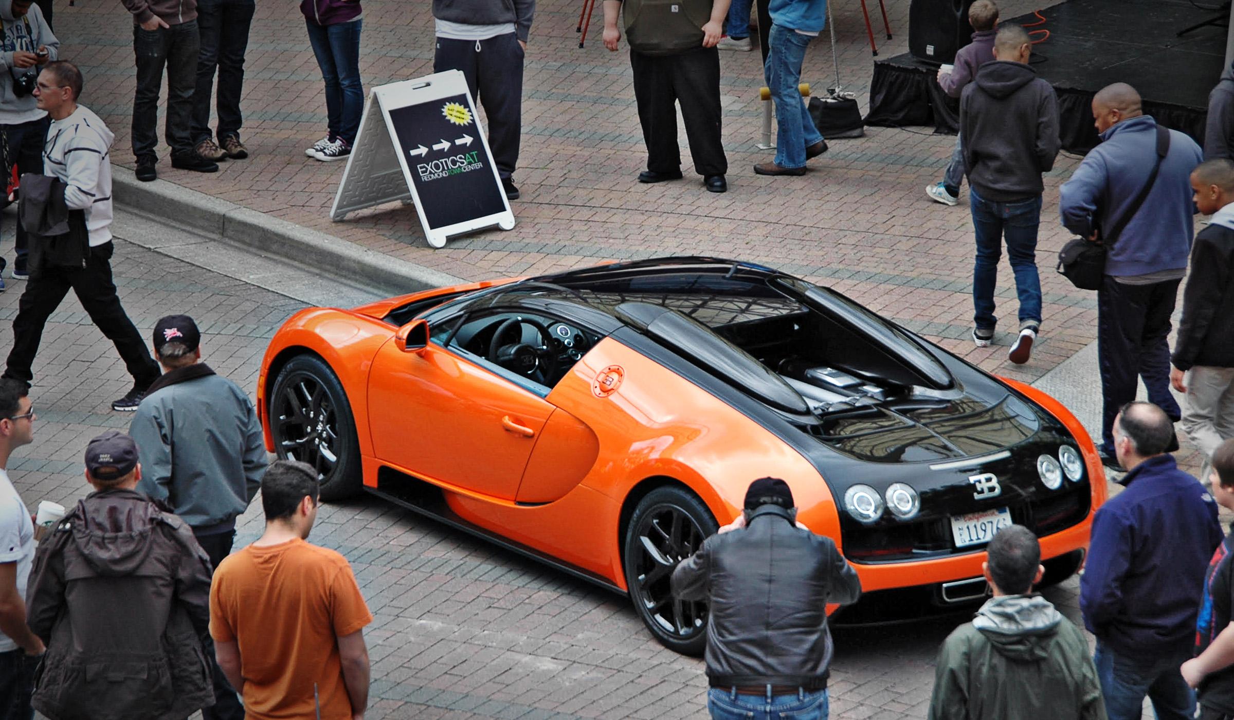 Bugatti Day with Exotics@RTC